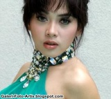 https://adesepele.files.wordpress.com/2010/02/syahrini10.jpg?w=271