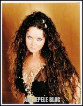 https://adesepele.files.wordpress.com/2010/05/sarah-brightman02.jpg?w=290