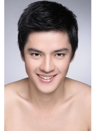 http://adesepele.files.wordpress.com/2011/01/morganoey.jpg?w=374&h=499